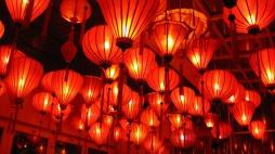 0203 - Des lanternes rouges