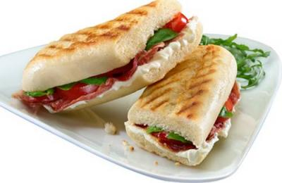 panini_au_jambon_italien_et_aux_tomates