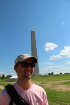 Alban devant le Memorial